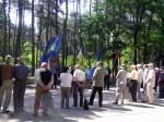 Якби ще й оголошення по радіо, українців, глядиш, зібралося б більше біля Кобзаревого погруддя.