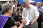 Коптєва передає Нікітюку документи для Єдина