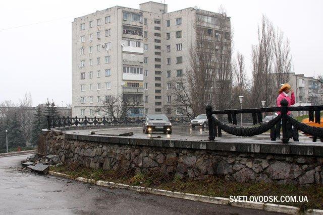 Фотофакт: Наслідки ДТП біля Обеліску Слави