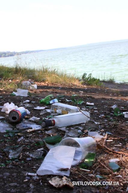 Экологическое бедствие: Воняет, как из свинарника, а мы думаем водоросли цветут!