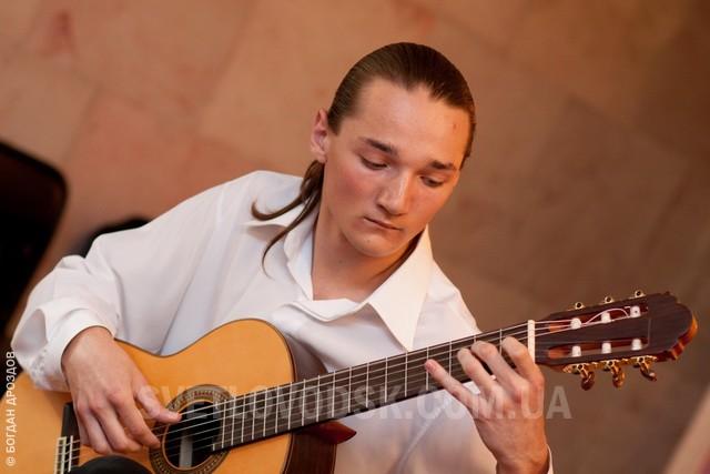 Вечір гітарної музики (21 фото)