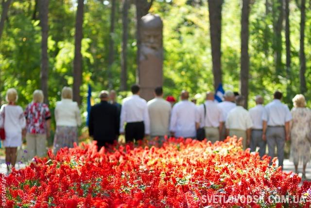 """24 серпня зранку — всі до пам'ятника Шевченку! Громадянський обов'язок, стан душі чи """"обязаловка""""?"""