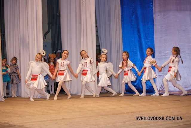 """Танцоры Ларисы Москаленко """"оживили"""" героев любимых сказок"""