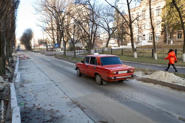 Укладка аэродромных плит на улице Бойко приостановлена