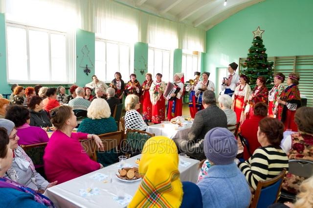 """Благодійні різдвяні свята від громадської організації """"Наше місто"""""""