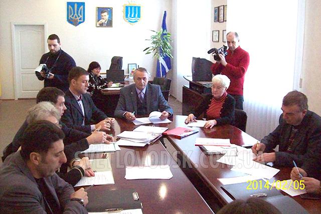 Міськвиконком підготував звіт про виконання бюджету за 2013 рік: 81,8% видатків направлено на заробітну плату