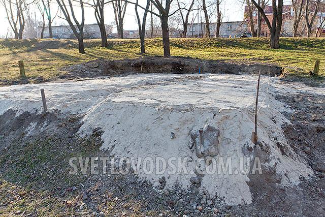 """Фотофакт: В Светловодске начали строить памятник """"афганцам"""""""