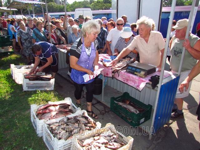 На рибному ярмарку світловодці з'їли 150 літрів юшки і розкупили 4 тонни риби