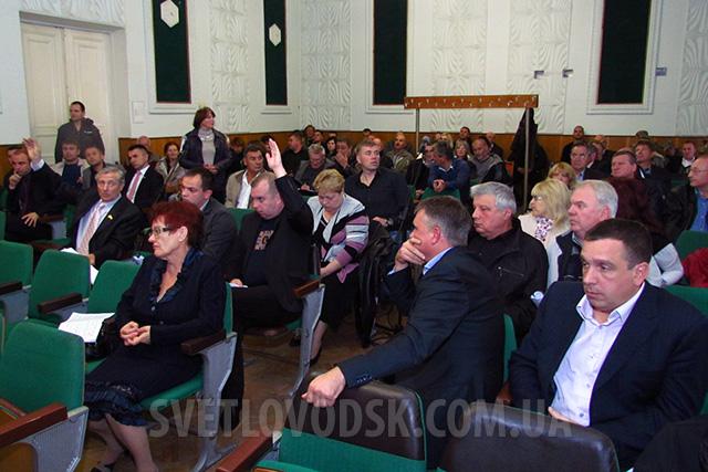 Олександр Сич оголосив заяву про звільнення, а Олександр Путілін влаштував справжній скандал — все це на сесії міської ради