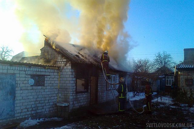 Пожежа на вулиці Івана Франка у Світловодську — згорів дах будівлі