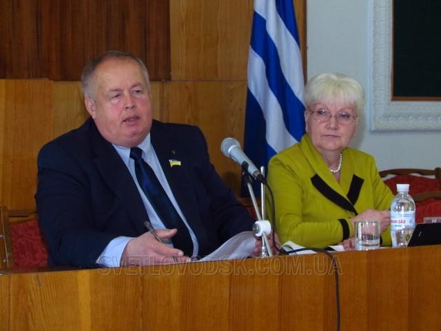 Сесія міськради розподілила 1 000 000 гривень, заслухала 7 депутатських запитів, вирішила 20 питань архітектурно-земельних відносин
