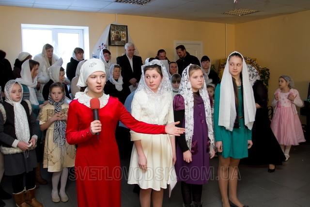 Родзинкою Різдвяного ранку у Покровській недільній школі стало об'єднання трьох церковних хорів