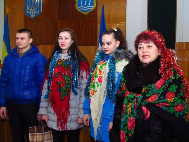 Старшокласники Подорожнянської школи зберігають та примножують традиції своїх пращурів