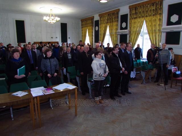 Депутати встановили податок на нерухоме майно, підтримали ЗМІ і провели Віктора Курочку до лав Української Армії