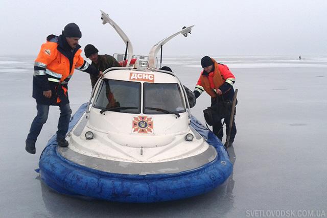 Вісім рибалок шукали свою смерть на Кременчуцькому водосховищі. Не знайшли, завдяки рятувальникам!