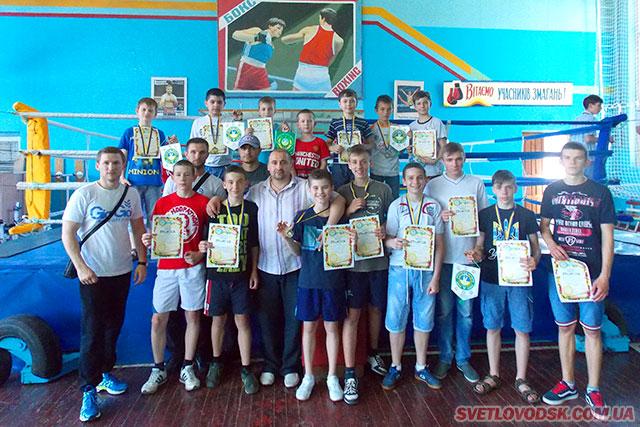 Світловодські боксери продемонстрували гідний бокс на змаганнях у Кременчуці