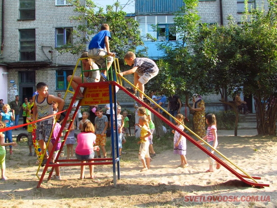 Сказав — зробив! 8 дитячих майданчиків — до 8-річчя ГО «Наше місто»