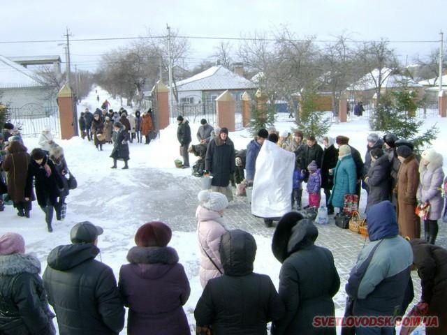 Снігові замети не стали перешкодою для відвідування Храму