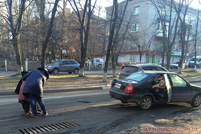 ДТП: Водій легковика збив літню жінку на пішохідному переході