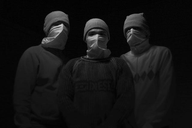 Троє в масках пограбували дідуся з Захарівки. 7 тисяч гривень і дві ікони зникли разом зі злочинцями