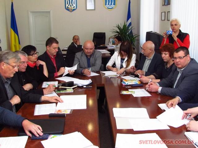 Виконкомівське засідання з плавним переходом на мерську пресову конференцію