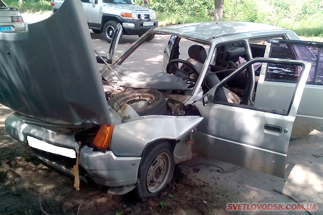 Правоохоронці проводять розслідування за фактом угону авто, на якому зловмисник потрапив у ДТП
