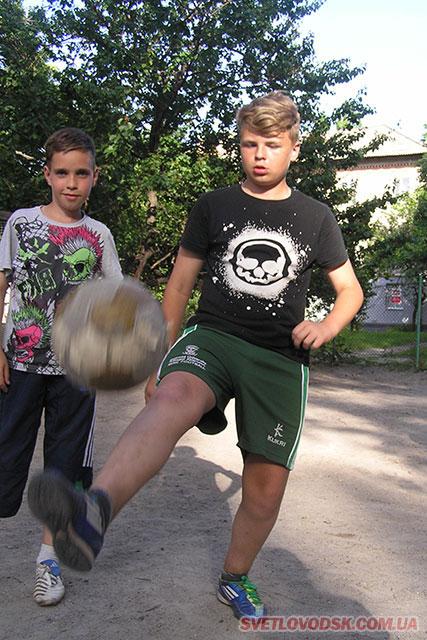 Михайло, найбільше набив м'яч ногою