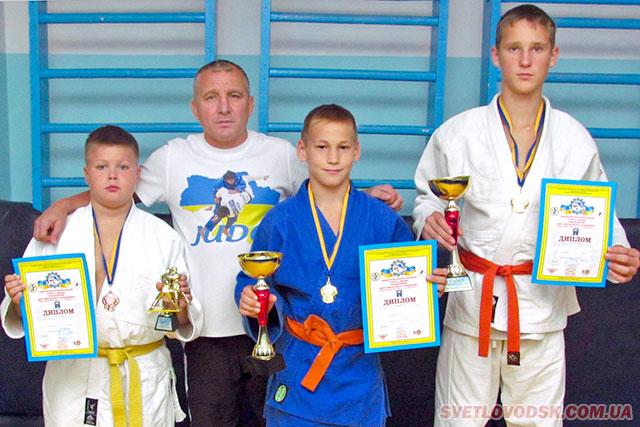 Станіслав Рибін та Сергій Постіл — чемпіони, а Павло Басько — бронзовий призер