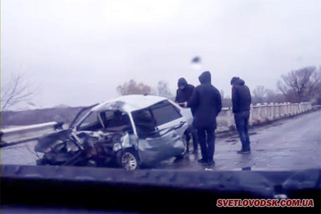 ВАЗ 2199 і КАМАЗ — лобове зіткнення на Ревівській дамбі у Світловодському районі