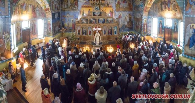 Святкова літургія, Різдвяний концерт і дитячий ранок у Свято-Покровському соборі