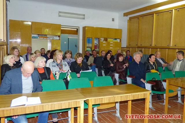 Топ-теми понеділкової наради у «білому домі»: субсидіарні новації, пробка у водогоні і розмальований Шевченко