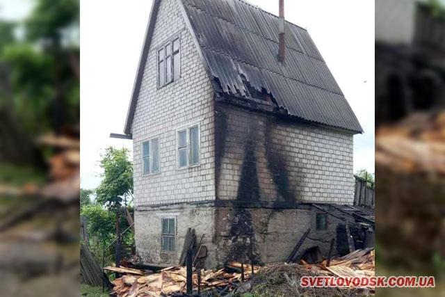 Рятувальники загасили пожежу господарчої споруди