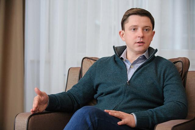 Олесь Довгий: «Для влади я «незручний» політик, тому що не йду на поводу і відстоюю інтереси свого округу»