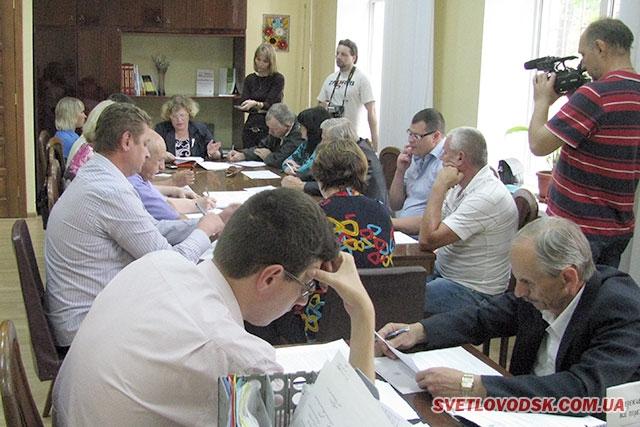 На засіданні виконкому 14 липня «гикнувся» перевізницький конкурс від 4 липня