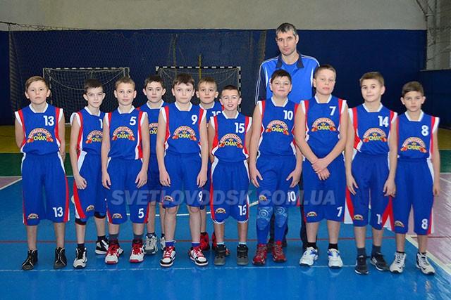 Справжній клас показали світловодські баскетболісти у Чернігові