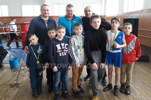 Боксери Світловодська вибороли по шість золотих та срібних нагород