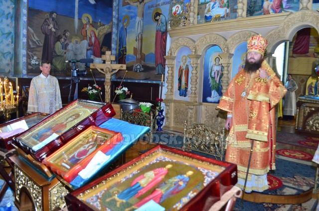 У Свято-Покровському соборі перебували мощі та ікони святих цілителів