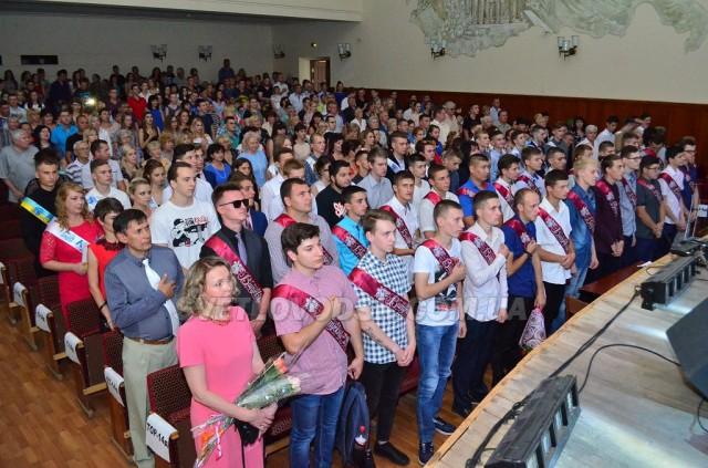 Ювілей і вручення дипломів у Світловодському коледжі (ФОТОРЕПОРТАЖ)