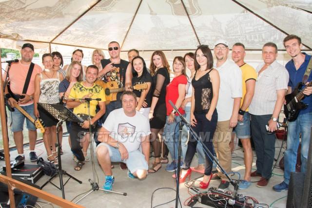 Гурти «Black Jack» та «АТОМ» відсвяткували День Незалежності з концертом на Власівці