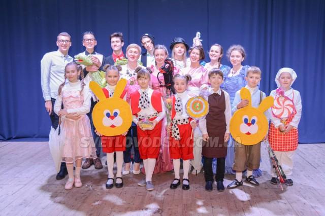 Повчальна «Абетка ввічливості»  для найменших глядачів  лялькового театру «Дивосвіт»