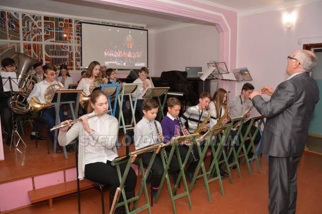 «Танцювальний марафон» від Світловодської музичної школи