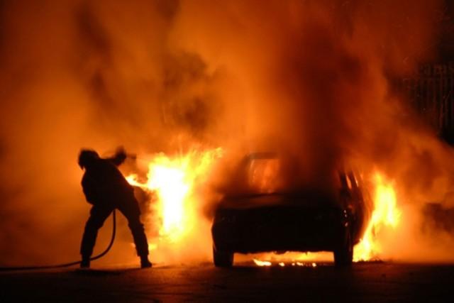 Світловодськими рятувальниками ліквідовано пожежу автомобіля