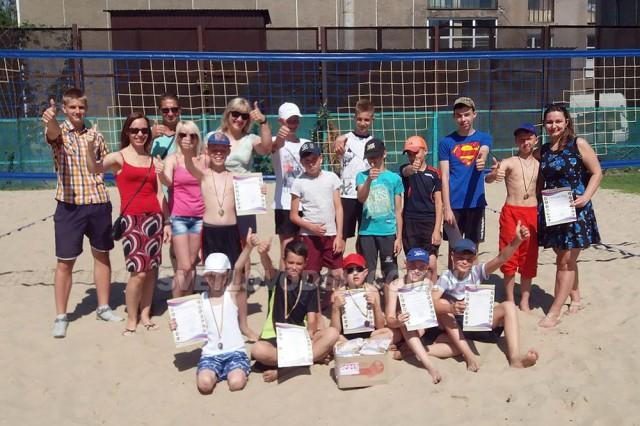 Святковий турнір з пляжного волейболу