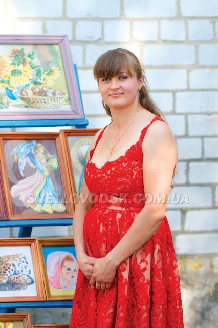 Юлія Новікова: «До вишивки мене привели  життєві обставини»
