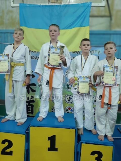 Данило Калюжний та Денис Кравченко — чемпіони у Смоліному