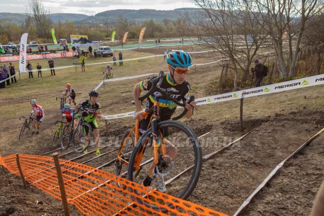 Листопадові успіхи Антона Пустовіта на міжнародних велоперегонах