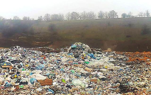 У Світловодську горить міське сміттєзвалище