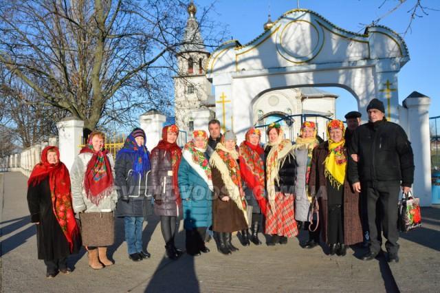 З піснями та колядками власівчани святкували Різдво Христове у храмі