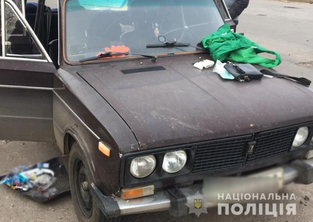 У Світловодську поліцейські встановили особи громадян, причетних до скоєння розбійного нападу на мешканця Знам'янського району