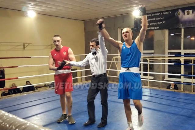 Семен Мороз — срібний призер змагань з боксу у Дніпрі